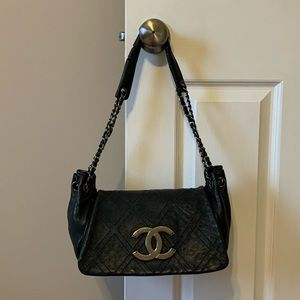 Auth Chanel Black Leather Chain Purse